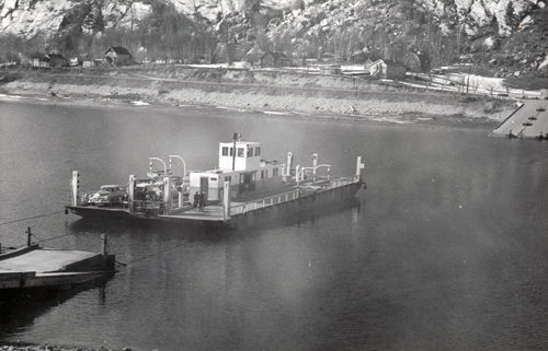 Castlegar-Robson Cable Ferry Crossing Columbia River, 1955