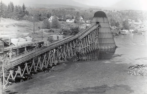 1948 flood of the Columbia River at Waldie's Sawmill, across from Castlegar