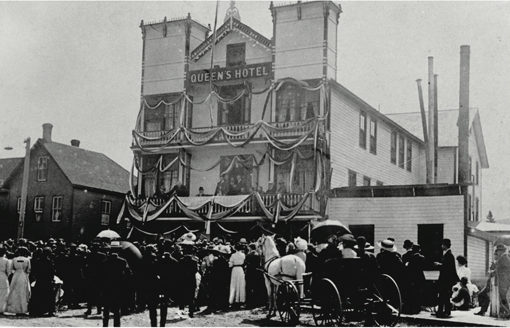 Prime Minister Wilfred Laurier delivers a speech at Golden's Queen's Hotel